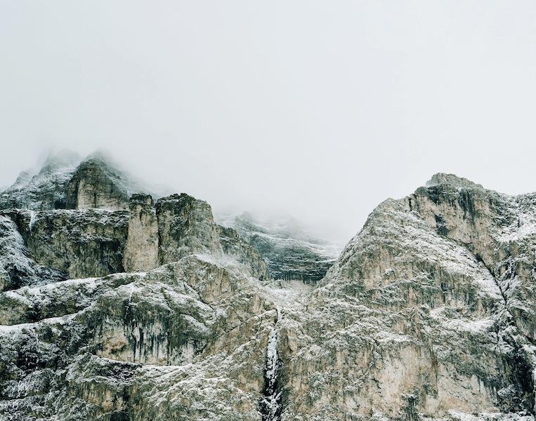 Axel Hütte Passo Sella, Italia dalla serie New Mountains, 2012 115 x 145 cm Ditone Print © l'artista