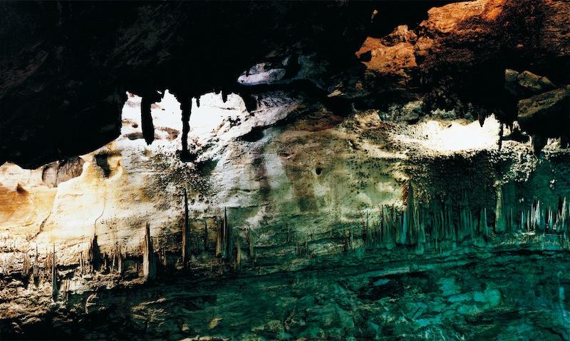 Axel Hütte, Underworld-3, Usa, dalla serie Caves 2008, 157x237 cm, Diasec © l'artista