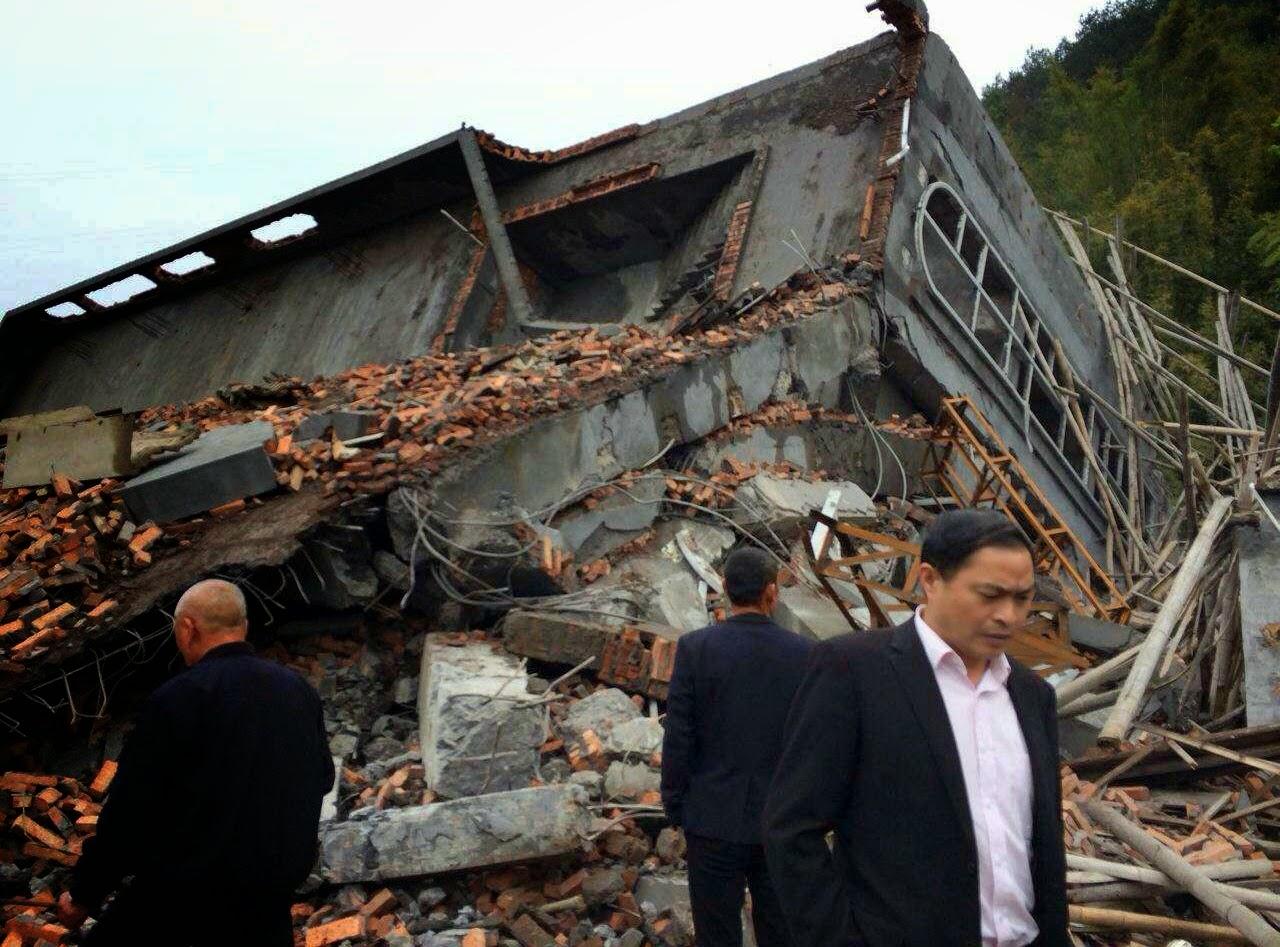 La chiesa cattolica di Pingyang distrutta