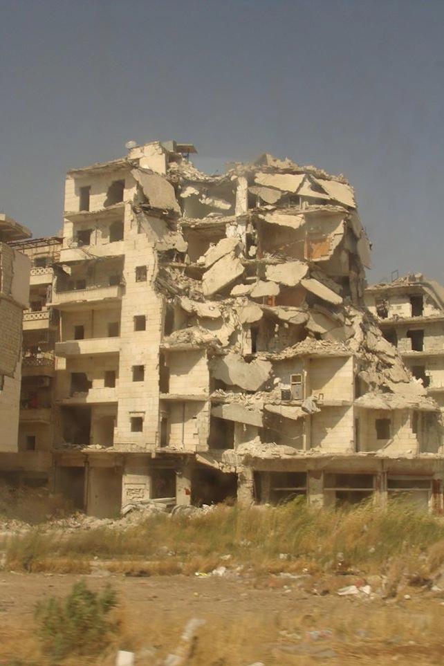 Ecco la prima cosa che si vede quando si arriva ad Aleppo. Il quartiere distrutto di al Hamadanya. (Foto di Rodolfo Casadei per Tempi)