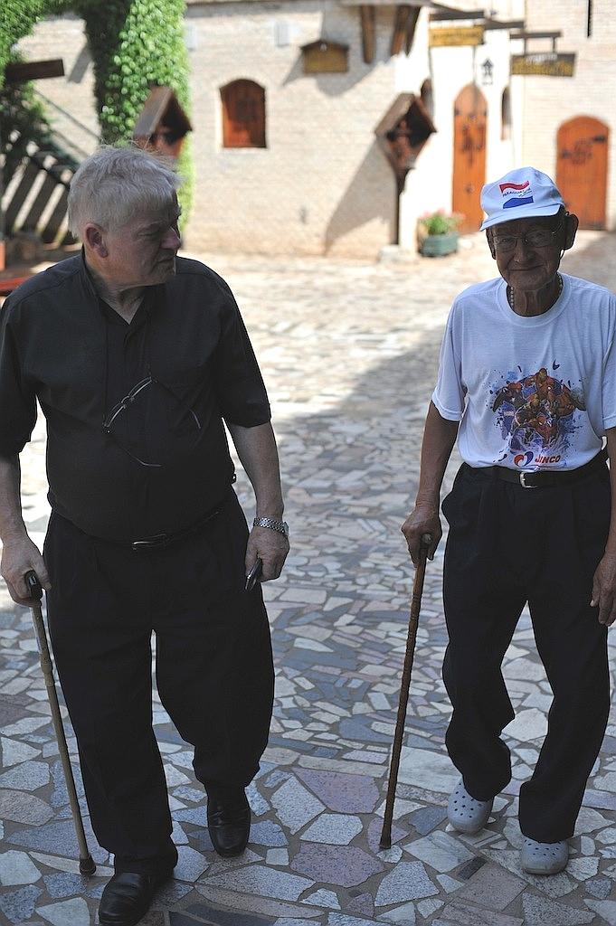 padre-aldo-trento-anziano-san-rafael-asuncion