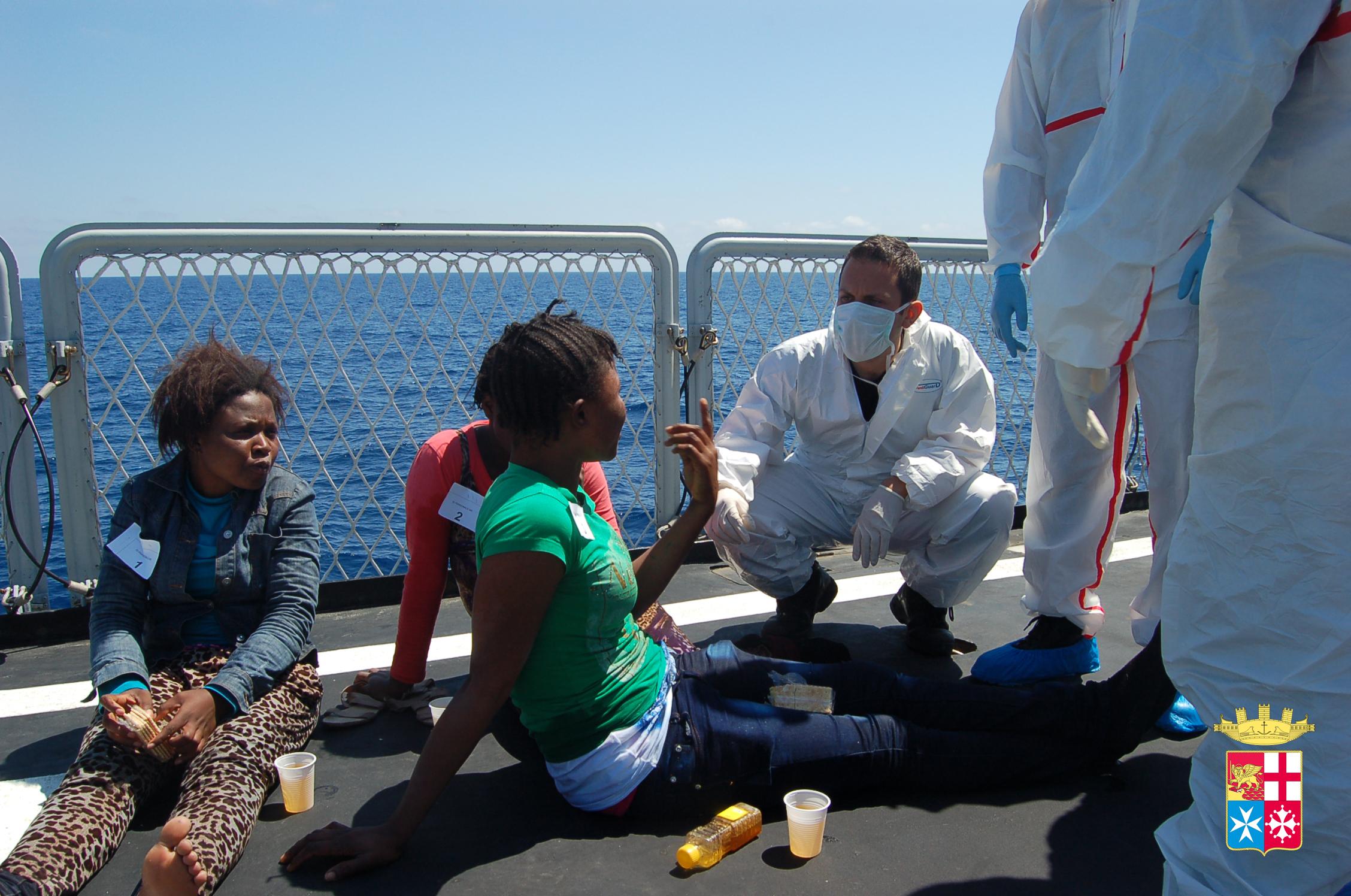 mare-nostrum-marina-lampedusa-migranti-barconi2