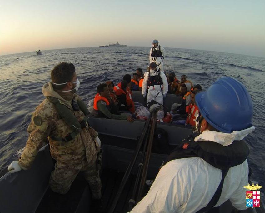 mare-nostrum-marina-lampedusa-migranti-barconi6