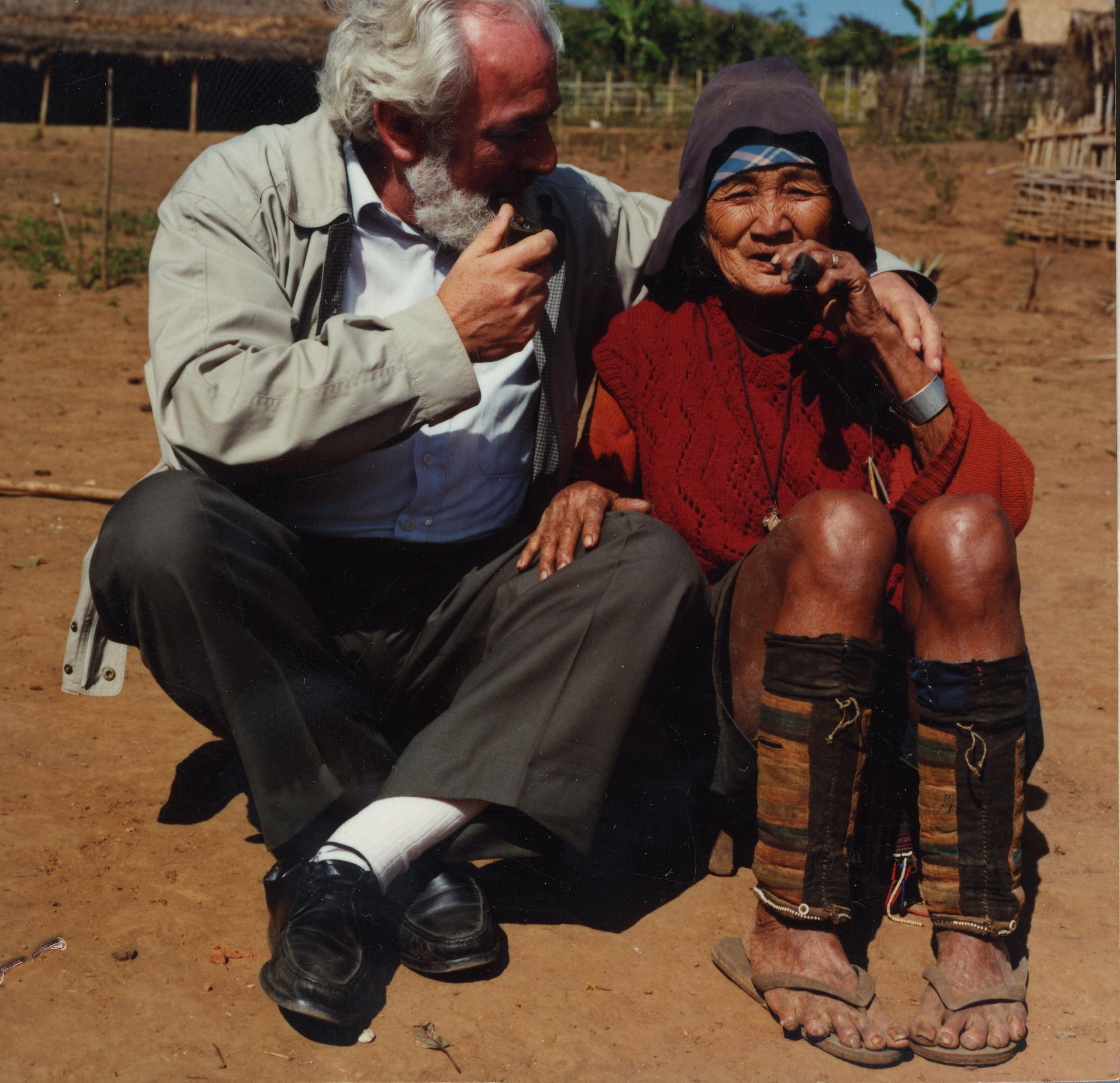 P. Piero Belcredi, 12-1992, Tailandia (triangolo d'oro), stampa colori