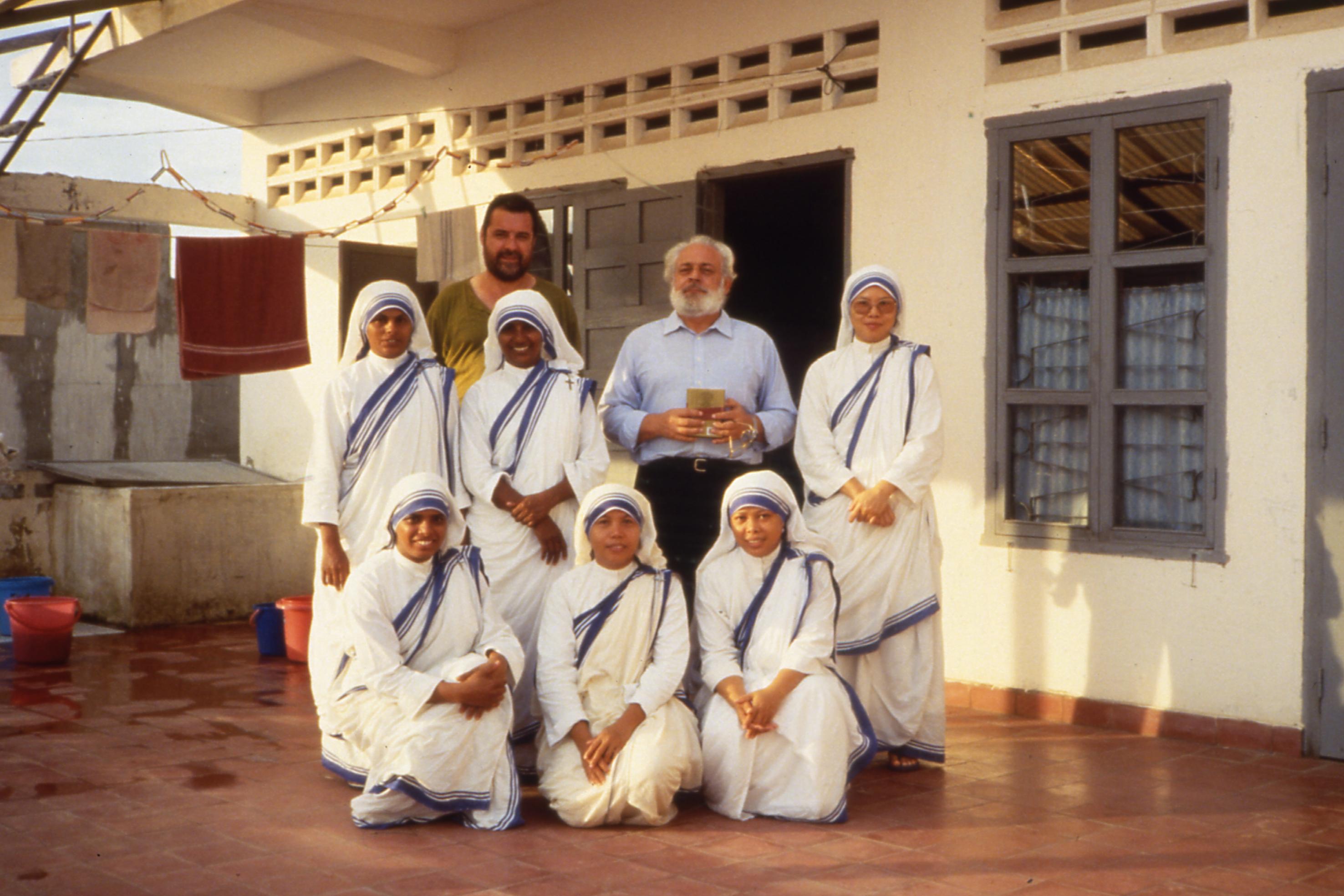 Padre Piero BercrediCambogia 1992Diapositiva