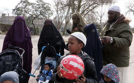inghilterra-poligamia-islam-donne