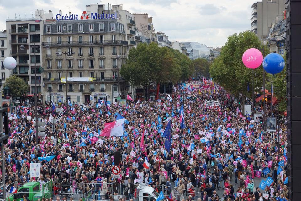 parigi-bordeaux-manif-francia-utero-affitto4