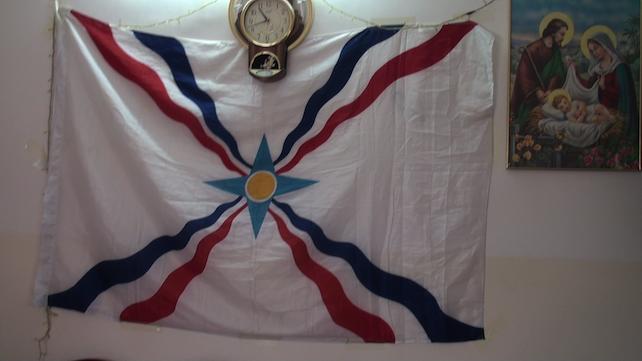 iraq-baqofa-bandiera-milizie-cristiane-dwekh-nawsha-k