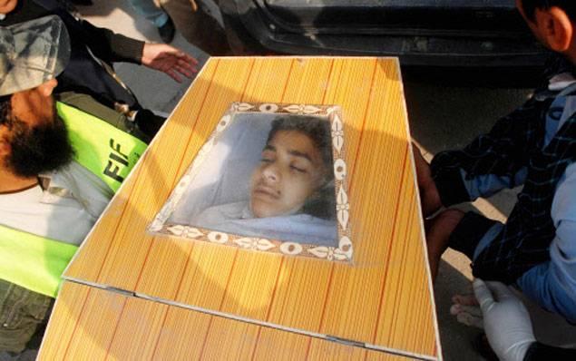peshawar-scuola-attentato-talebani-pakistan