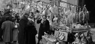 Una foto d'epoca del mercato della Befana