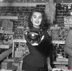 Sophia Loren in visita al mercato della Befana