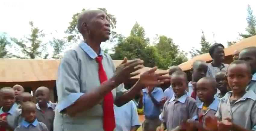 kenya-gogo-educazione-90-anni-donna3