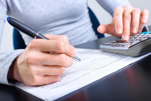 dichiarazione-redditi-shutterstock_62054941