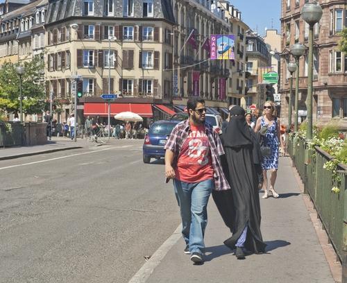 francia-niqab-shutterstock_142419256