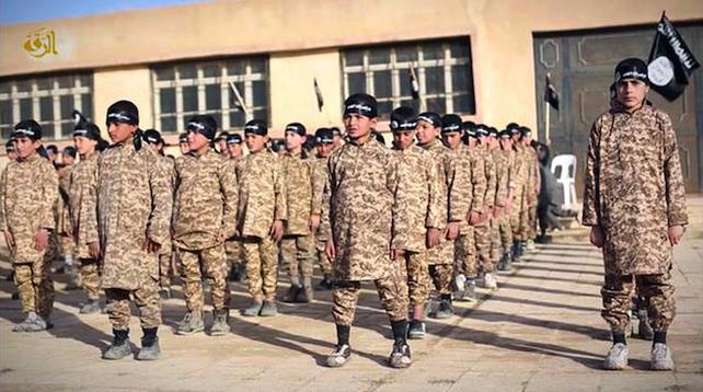 Isis: a Raqqa campo addestramento per bambini