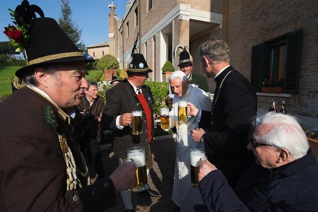Benedict XVI, Georg Ratzinger, Georg Gaenswein