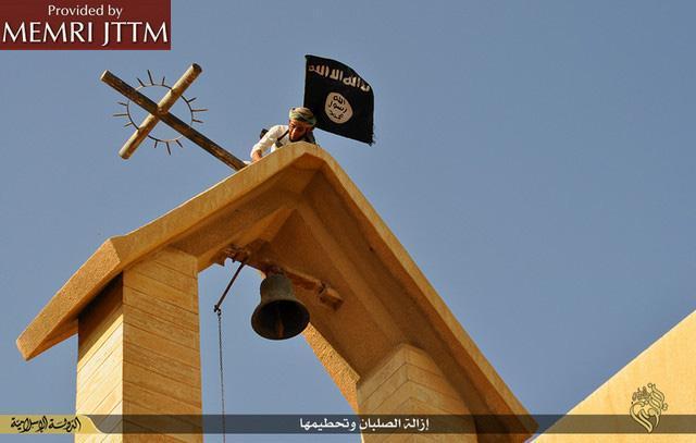 ++ Isis, chiese e simboli cristiani distrutti in Iraq ++