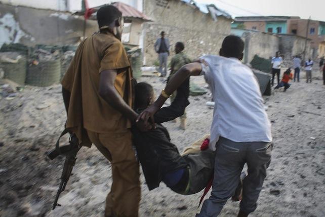>>>ANSA/SOMALIA: RAID DEI MILIZIANI SHABAAB CONTRO HOTEL