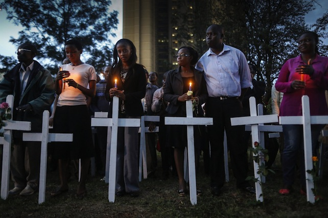 Kenyans gather for a candlelight vigil to mourn the 148 people killed in Garissa attack