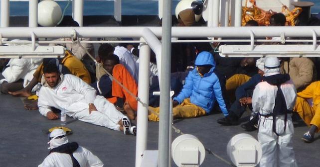 Naufragio: ancora in corso operazioni sbarco a Malta