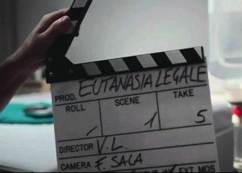 Fermo immagine di un video della campagna choc dei radicali dell'associazione Luca Coscioni per sensibilizzare sul tema dell'eutanasia dal titolo 'A.A.A: Cerchiamo malati terminali'. ANSA/ ++HO NO SALES EDITORIAL USE ONLY++