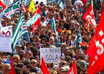 Un momento della manifestazione della scuola a Roma, 5 maggio 2015. ANSA/ALESSANDRO DI MEO