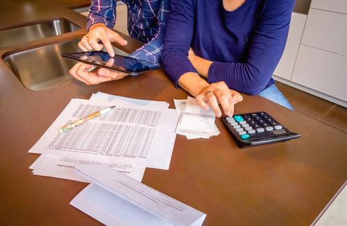 tasse-redditi-famiglia-shutterstock_268436585