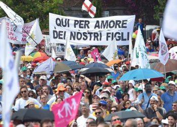 La manifestazionea piazza San Giovanni, Roma, 20 giugno 2015. ANSA/ETTORE FERRARI