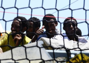 Migrants who were rescued at sea disembark from the 'German Navy Hessen Vessel at the harbor of Palermo, Italy, 07 June 2015. More than 800 migrants were rescued by German Navy Hessen on Mediterranean Sea. ANSA/MIKE PALAZZOTTO