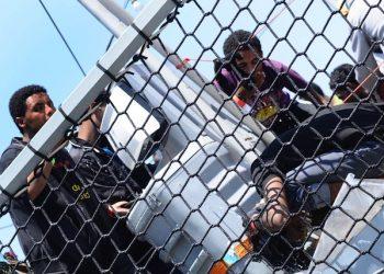 Sono arrivati al porto di Palermo, al molo Puntone, a bordo della nave Hessen della Marina militare tedesca circa 800 migranti salvati, nei giorni scorsi, nel Canale di Sicilia.Palermo 7 Giugno-2015.ANSA/MIKE PALAZZOTTO