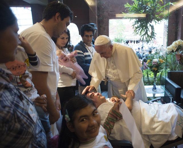 papa-francesco-clinica-padre-aldo-asuncion-paraguay-ansa