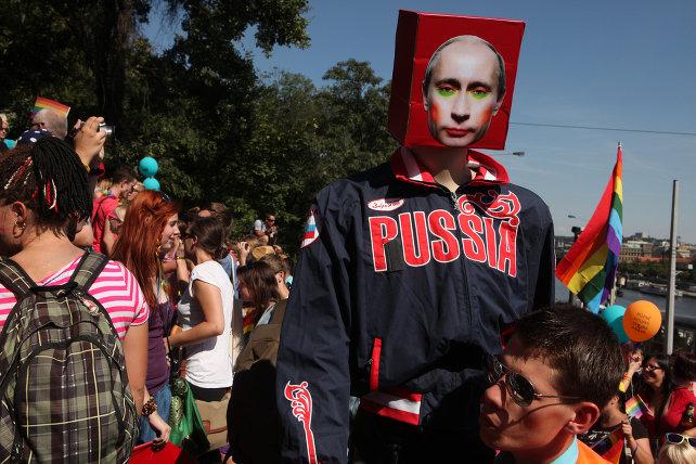russia-omosessuali-putin-shutterstock_251853583