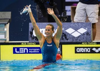 epa04365046 Federica Pellegrini of Italy celebrates after the women's 200m Freestyle Final at the 32nd LEN European Swimming Championships 2014 at the Velodrom in Berlin, Germany, 23 August 2014.  EPA/MAJA HITIJ
