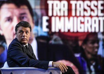 Matteo Renzi durante la registrazione di 'Porta a Porta' condotta da Bruno Vespa, che apre oggi la nuova edizione ospitando il presidente del consiglio, Roma, 7 settembre 2015. ANSA/ ANGELO CARCONI