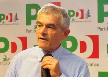 Sergio Chiamparino, presidente della Regione Piemonte, durante la direzione regionale del Partito Democratico, Torino, 13 Luglio 2015. ANSA/ALESSANDRO DI MARCO