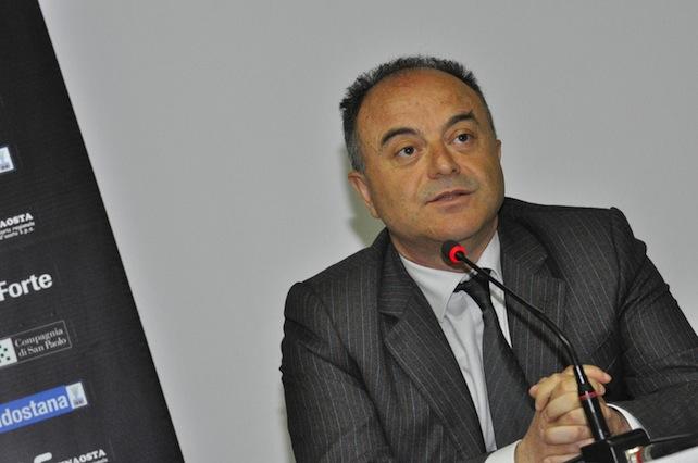 Nicola Gratteri, procuratore aggiunto di Reggio Calabria, partecipa all'evento i 'Colloqui del Forte di Bard', Aosta, 11 aprile 2015. ANSA