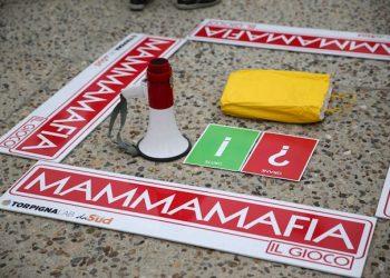 Cooperazione e/Ë antimafia i Laboratori con i bambini per riconoscere la Mafia alla Cascina Triulza di Expo2015 organizzato da ConfCooperative. Milano, 29 settembre 2015.  ANSA/STEFANO PORTA