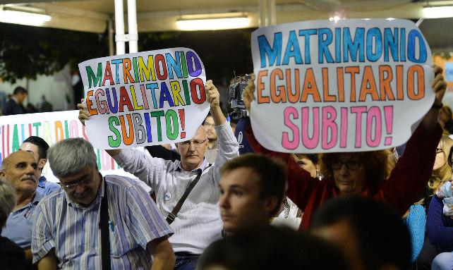 unioni-civili-gay-festa-pd-torino-ansa