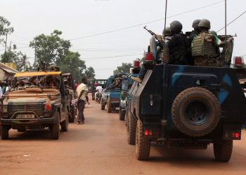 epa04079034 Peacekeeping troops lead a disarmament operation in Bangui, Central African Republic, 15 February 2014. The humanitarian crisis in the Central African Republic has reached 'unspeakable proportions,' UN refugee chief Antonio Guterres said 12 February in the capital Bangui, as the organization started airlifting food aid into the country. The UN World Food Programme (WFP) began airlifting food into Bangui, aiming to bring in 1,800 tons of cereals over the next four weeks to feed 150,000 people for a period of one month.  EPA/LEGNAN KOULA