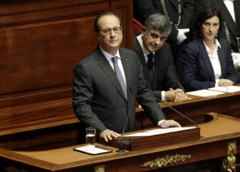 French President Francois Hollande  delivers a speech at the Versailles castle, west of Paris, Monday, Nov.16, 2015. French President Francois Hollande is addressing parliament about France's response to the Paris attacks, in a rare speech to lawmakers gathered in the majestic congress room of the Palace of Versailles. (Philippe Wojazer, Pool via AP)