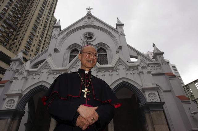 hong-kong-vescovo-john-tong-ansa