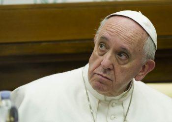 Papa Francesco, durante l'incontro con la Fondazione Scholas Occurentes, Citta del Vaticano, 3 febbraio 2016. ANSA/GIORGIO ONORATI