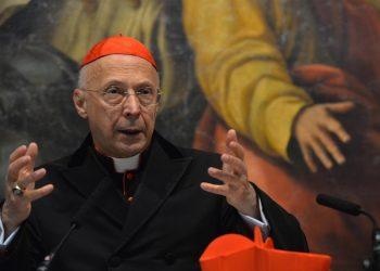Il cardinale Angelo Bagnasco, arcivescovo di Genova e presidente della Cei, durante l'apertura dell'anno 2016 del Tribunale Ecclesiastico ligure, 13 febbraio 2016 a Genova. ANSA/LUCA ZENNARO