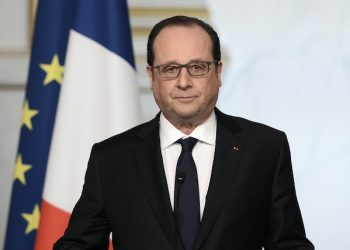 French President Francois Hollande delivers a speech after the weekly cabinet meeting, Wednesday, March 30, 2016 in Paris. Hollande has decided to abandon a bill that would have revoked citizenship for convicted terrorists and strengthened the countryís state of emergency. He had initially submitted the two proposals days after the Nov. 13 attacks in Paris that left 130 people dead. (Stephane de Sakutin, Pool via AP)