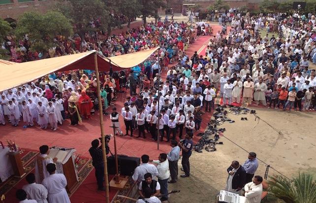 pakistan-lahore-youhanabad-cristiani-chiese-ucanews