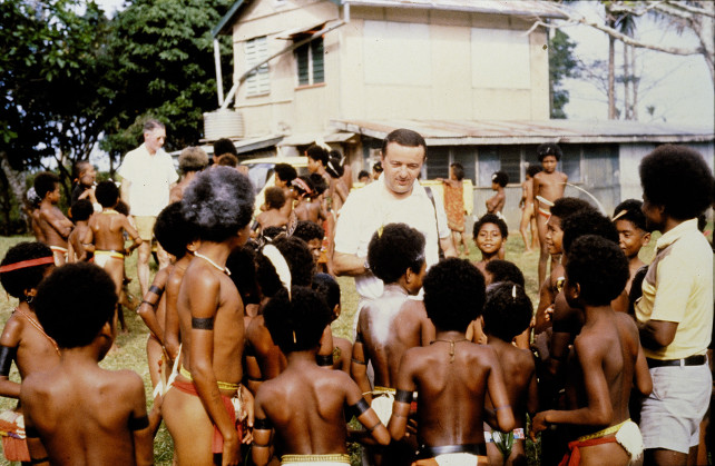 Padre Piero Gheddo in Papua Nuovo Guinea