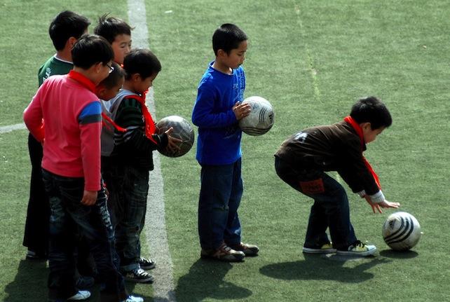 cina-scuola-calcio-ansa