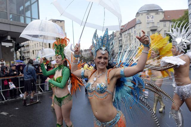 carnevale-culture-berlino-ansa-ap
