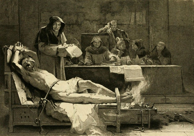 inquisizione-shutterstock_244388704