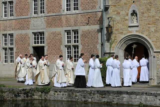 belgio-bruxelles-fraternita-santi-apostoli
